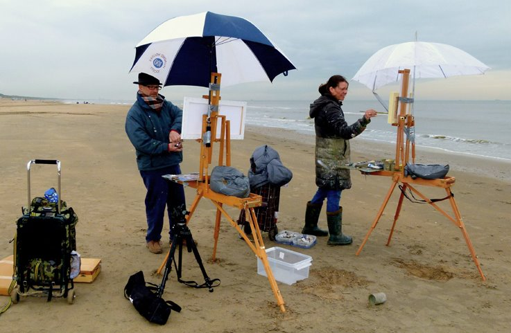 roos schuring painting on beach